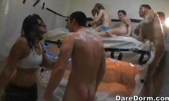 dormitorio de la universidad culo gay follando