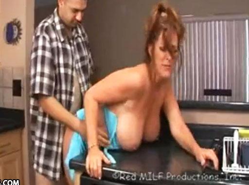 porno pelirrojas maduras follando en la cocina
