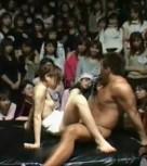 imagen Porno japones: sexo amateur en plato de television