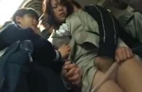 imagen Madre e hija asiaticas violadas en el autobus