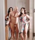 imagen Follando con sus dos esposas cachondas