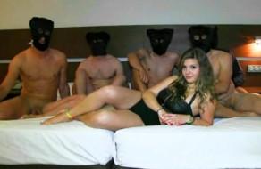 imagen Chica española follada por cinco hombres amateur
