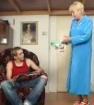 imagen Incesto: nieto follando con su abuela