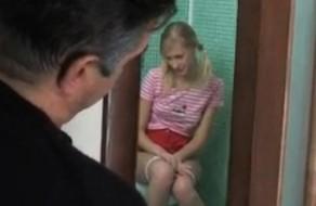 imagen Hija forzada a tener sexo con su padre