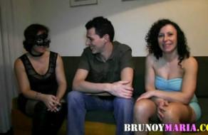 imagen Tia y sobrina españolas en un trio de sexo amateur