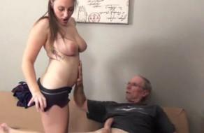 imagen Hija tetona follando con su padre