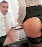 imagen Joven secretaria follando con el jefe