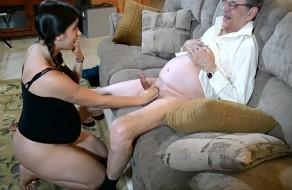 imagen Nieta embarazada follando con su abuelo
