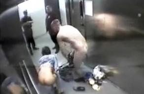 imagen Pareja amateur pillada follando en el ascensor
