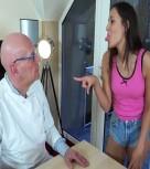 imagen Viejo gruñon follando con su joven secretaria
