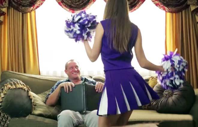 Chica se masturba en cabina de internet - 2 part 9