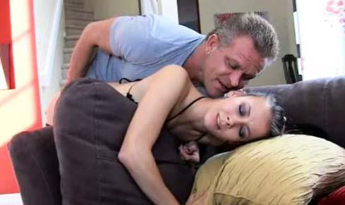Espiando a esposa en el sanitario masturbarse - 2 part 4