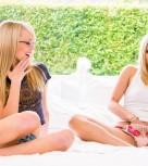 imagen Jovencitas en su primera experiencia lesbica