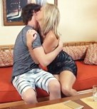imagen Madura borracha seduce a un joven y se lo folla