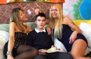 imagen Jovencito español en trio de sexo con dos maduras