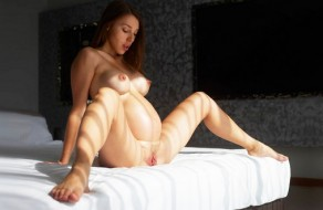 imagen Mujer embarazada masturbandose suavecito