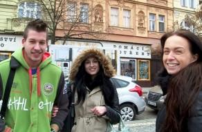 imagen Pareja amateur checa pillada por la calle