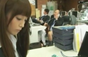 imagen Esclavas sexuales en la oficina japonesa
