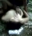 imagen Latina borracha violada a orillas del rio