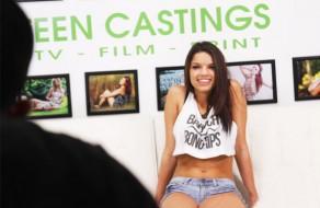 imagen Mulatita tetona follada en casting de modelos