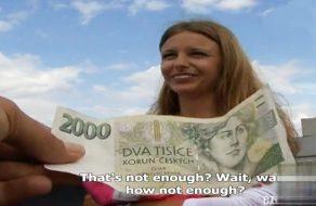 imagen Checa amateur folla en un parque por dinero