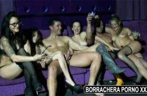 imagen Borrachera xxx en pub swinger español
