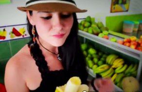imagen Dependienta colombiana folla con un desconocido