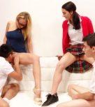 imagen Profesora española da clases de sexo a sus alumnos