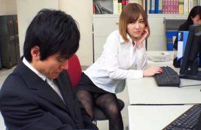 imagen Secretaria muy puta busca sexo en la oficina