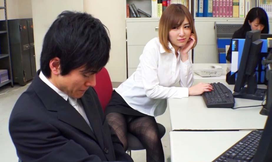putas muy lindas sexo en la oficina