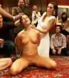imagen Zorra sumisa usada y follada en fiesta de lujo