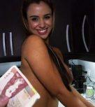 imagen Chica de la limpieza follando por dinero