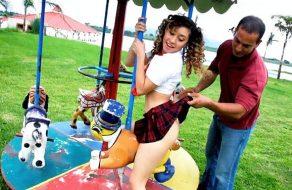 imagen Colegiala mexicana follada en los columpios