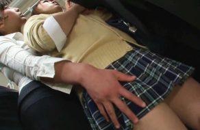 imagen Colegiala violada por una mujer lesbiana