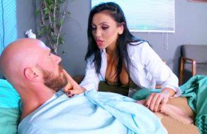 imagen Doctora follando con un hombre casado (español)