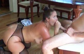 imagen Madre muy cerda se folla al pijo de su hijo