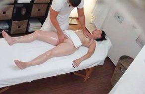 imagen Madura amateur follada en el masajista