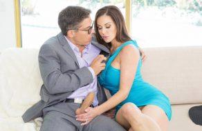 imagen Mujer madura tiene sexo con el psicologo