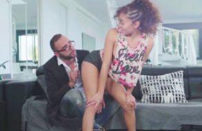 imagen Putita mexicana baila twerking para su profesor