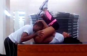imagen Follando en el vesturario del gimnasio