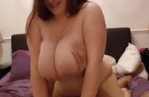 imagen Sexo casero con una gorda tetona muy morbosa