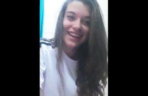 imagen Jovencita española se desnuda en video de wasap