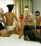 imagen Vieja puta española cogida por cinco machos