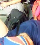 imagen Universitaria sobando la polla de un desconocido en el metro