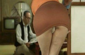 imagen Esposa puta folla con el padre de su marido