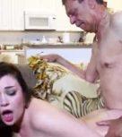 imagen Fin de semana de incesto con su abuelo