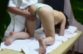 imagen Joven amateur manoseada en el masajista