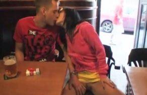 imagen Pareja amateur tiene sexo en lugares publicos