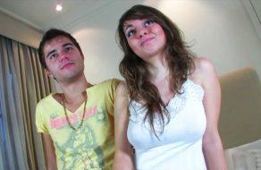 imagen Pareja madrileña de 19 años en su primer video porno