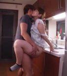 imagen Sexo con la suegra por toda la casa